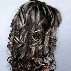 How To Have Beautiful Hair – 5 Top Tips - How To Have Beautiful Hair – 5 Top Tips Everybody wants long, healthy and beautiful hair just like celebrities. It is possible to achieve beautiful Beautiful Hair Brown Hair With Highlights, Brown Blonde Hair, Hair Color Highlights, Chunky Highlights, Caramel Highlights, Blonde Wig, Fall Highlights, Medium Blonde, Balayage Highlights