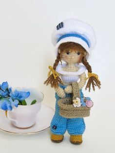 Crochet Amigurumi Doll / Amigurumi Doll / Wire-Framed Doll / Small Crochet Doll / Posable Doll / Removable Clothes