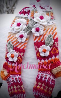 Anelmaiset Kid's Knee Highs pattern by Anelma Kervinen Wool Socks, Knitting Socks, Hand Knitting, Knitting Patterns, Crochet Patterns, Crochet Shoes, Crochet Clothes, Knit Crochet, Crochet Leg Warmers