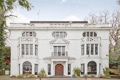 Kingston Hill, London (GBP 4m, Fine & Country): http://www.primeresi.com/prime-properties-of-the-week-9/10514/#