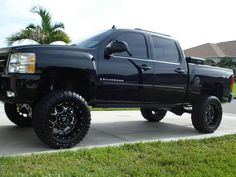 lifted trucks an d jeeps | 2008 lifted Silverado with 2008 lifted Jeep Wrangler | Mud Trucks ...