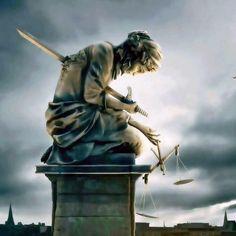 Beautiful Statue Of Lady Justice Foo Fighters, Justice Tattoo, Office Art, Dark Art, Liberty, Concept Art, America, Instagram Posts, Artwork