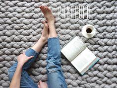 Teppichgrößen merino yarn rug chunky knitted rug rug by panapufa