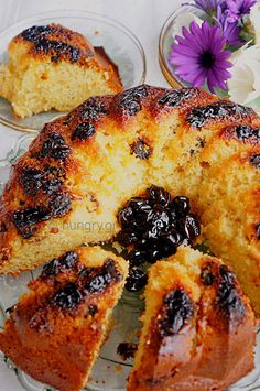 Lemon Cake with Spoon Sweet, Lemon Cake with Spoon Sweet Recipes Blueberry Jam, Little Cakes, Take The Cake, Dried Cranberries, Everyday Food, Raisin, Finger Foods, Sour Cream, Sweet Recipes
