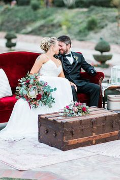 Marsala Wedding Decor Florals Lounge Steamer Trunk Vintage Sofa Temecula Fallbrook Event Rentals