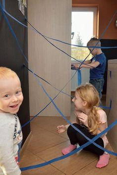 pajęczyna, trening szpiegów, zabawa dla dzieci, zabawa na urodziny, spy training, laser maze, party game