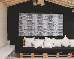 salons banquettes and tables on pinterest. Black Bedroom Furniture Sets. Home Design Ideas