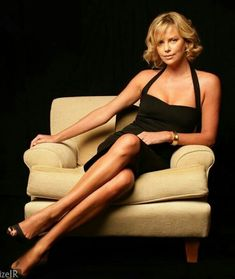 Photography Poses : – Picture : – Description Charlize Theron -Read More – Charlize Theron, Beautiful Actresses, Beautiful Celebrities, Mode Glamour, Atomic Blonde, White Lingerie, Famous Women, Belle Photo, Sexy Legs