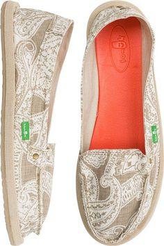 Sanuk Shorty Wrapped Paisley Shoe. http://www.swell.com/New-Arrivals-Womens/SANUK-SHORTY-WRAPPED-PAISLEY-SHOE?cs=NA