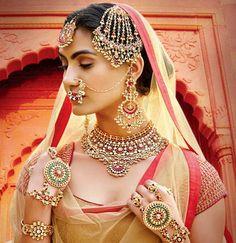 Kundan earrings,Green kundan earrings,Chandelier earrings,Indian jewellery, Ethnic Jewelery by Taneesi by taneesijewelry on Etsy