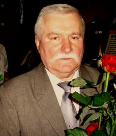 Lech Walesa-leaders 'Solidarity', Nobel Peace Prize winner and president of the Polish 1990-1995.