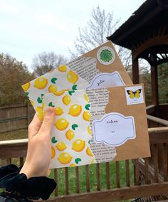 Aesthetic Letters, Mail Art Envelopes, Snail Mail Pen Pals, Pen Pal Letters, Envelope Art, Origami Envelope, Handwritten Letters, Scrapbook Journal, Happy Mail