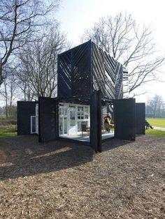 Casa hecha con el estilo envase cubo
