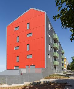 30 Social Dwellings in Gavá  / PICH-AGUILERA Architects