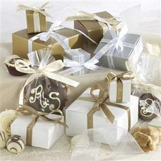 RIVER ST SWEETS Personalized favors filled with River Street Sweets Gourmet Southern candies add charm and sophistication to any event. They're perfect for wedding favors, Bridal showers, rehearsal dinners, baby showers, birthdays, retirement parties or even an elegant tea party.