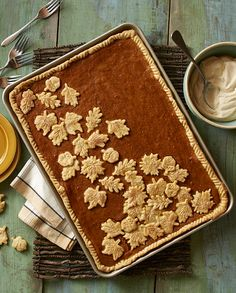 Pumpkin Sheet Pan Pie --Pie for everyone! Classic pumpkin pie topped with the most delicious caramel whipped cream is perfect for your Thanksgiving dessert. Köstliche Desserts, Delicious Desserts, Dessert Recipes, Yummy Food, Paleo Dessert, Baking Recipes, Pumpkin Recipes, Fall Recipes, Holiday Recipes