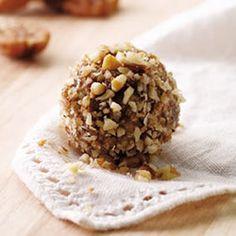 Qui n'aime pas avoir sous la main de savoureuses petites gâteries? Celles-ci contiennent des oméga-3 (provenant de la graine de lin) et sont parfaites pour vos sorties en plein air: elles se transportent à merveille et sont une excellente source d'énergie.