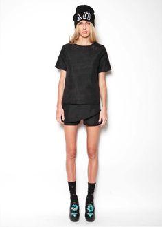ΑΩ top and shorts