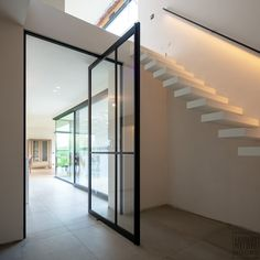 Door for lobby area Modern Staircase, Types Of Stairs, Minimalist Design, Entrance, New Homes, House Design, Doors, Interior Design, Toulon