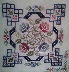 Cross Stitch Cushion, Cross Stitch Art, Cross Stitch Borders, Modern Cross Stitch, Cross Stitch Flowers, Cross Stitch Designs, Cross Stitching, Cross Stitch Embroidery, Embroidery Patterns