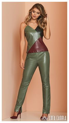 LOOK BOOK 1 – Cora Canela Leather Pants Outfit, Leather Dresses, Leather Mini Skirts, Leder Outfits, Smart Outfit, Green Fashion, Fashion Outfits, Womens Fashion, Leather Fashion