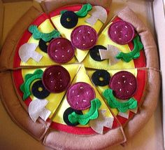 felt pizza and toppings!