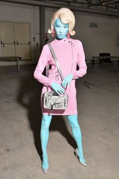 Jeremy Scott, Alien Halloween Costume, Halloween Kostüm, Halloween Makeup, Space Costumes, Girl Costumes, Sci Fi Costumes, Space Girl Costume, Moschino