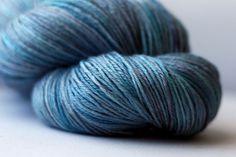 blue fingerling yarn - www.blackbunnyfibers.com