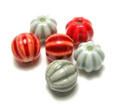 Red/Grey Ceramic Lantern Beads Set b by amazingbeads on Etsy - 2.50 euro