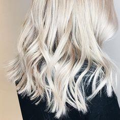 Toning Blonde Hair, Toner For Blonde Hair, Blonde Hair At Home, Ashy Blonde Hair, White Blonde Hair, Light Ash Blonde, Hair Toner, Hair Color Balayage, Hair Color For Black Hair