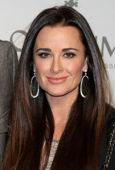 Kyle Richards makeup and hair