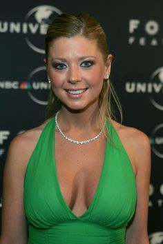 Actress Tara Reid undergoes additional surgery to repair damage from a boob job. Tara Reid, Celebrity Surgery, Plastic Surgery Gone Wrong, Olivia Benson, Her Smile, New Jersey, Boobs, Glamour, Actresses