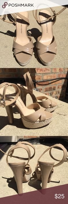 """Chinese laundry heels Used but in good condition. Chinese laundry with 6"""" heels and about a 1.5"""" platform Chinese Laundry Shoes Platforms"""