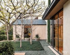 Modern Courtyard-Style Home Exterior | LuxeSource | Luxe Magazine - The Luxury Home Redefined