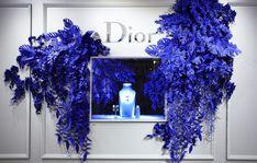Isetan Gardens - Wanda Barcelona Window Display Design, Store Window Displays, Retail Displays, Backdrop Design, Prop Design, Jewellery Showroom, Jewellery Display, Parfum Dior, Perfume Display