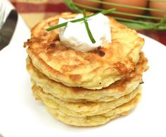Everything you need to complete a successful egg fast. 20 quick and easy keto recipes to help make your egg fast easier. No Egg Pancakes, Savory Pancakes, Keto Pancakes, Cheese Pancakes, Waffles, Fast Healthy Meals, Fast Easy Meals, Dinner Healthy, Fast Food