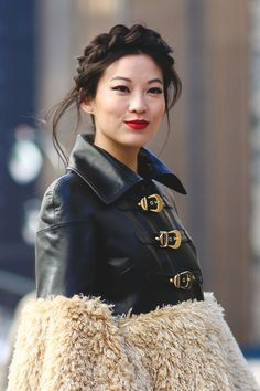 Beauty buys guaranteed to get you snapped at NYFW. Street Style 2016, Autumn Street Style, High Fashion Looks, Braided Hairstyles, Updo Hairstyle, Prom Hairstyles, Braided Updo, Beauty Trends, Makeup Trends
