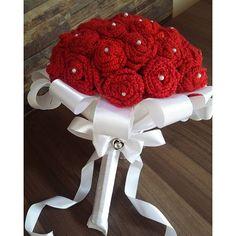 #mulpix Bom dia flores do dia!!  Já pensou casar com um lindo buquê de crochet?  # bomdia #goodmorning #crochet #handmade #buque #noiva #bride #bridalstyle #casamento #perfeito #beautiful #feitoamao #inlove #ilike