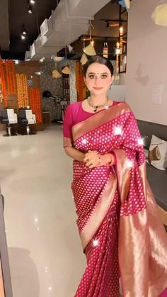 Saree Look, Blouse Styles, Saree Styles, Timeless Classic, Diy Blouse, Saree Blouse Neck Designs, Fancy Blouse Designs, Designs For Dresses, Indian Dresses For Women