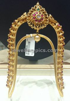 Exquisite Vanki design with rubies - Latest Jewellery Designs Vanki Designs Jewellery, Indian Jewellery Design, Latest Jewellery, Indian Jewelry, Jewelry Design, Kerala Jewellery, Temple Jewellery, Bridal Jewelry, Silver Jewelry