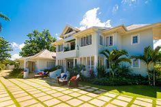 Luxury Retreats |Sundown on Discovery Bay