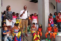 Moisés Medrano, Director de Poblaciones (Ministerio de Cultura) saluda a los participantes de la feria regional
