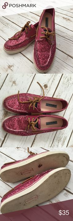 Sperry Top Slider Pink Sparkle Boat Shoes 9 Super cute Sperry shoes in overall good condition. There is some wear to the bottom of the shoes. But no major flaws. Sperry Top-Sider Shoes Flats & Loafers