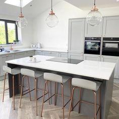 Modern Grey Kitchen, Grey Kitchen Designs, Modern Kitchen Design, Kitchen Room Design, Home Decor Kitchen, Interior Design Kitchen, Modern White Kitchens, Kitchen Ideas, Grey Interior Design