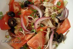 Sałatka z kiełkami i oliwkami