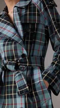Trench coat en algodón de gabardina a cuadros escoceses (Azul Cian) - Mujer | Burberry Estados Unidos