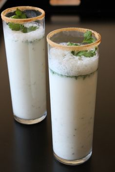 Masala Chaas recipe or buttermilk recipe - flavored Indian buttermilk. It is made with plain yogurt, green chili, cilantro and spices. This is the popular summer drink that gives the cooling effect to the body. Indian Drinks, Indian Desserts, Indian Dishes, Indian Food Recipes, Yummy Drinks, Healthy Drinks, Healthy Recipes, Drink Recipes, Juice Drinks
