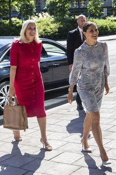 Ces 13 et 14 juin 2016 la princesse Victoria de Suède a reçu sur ses terres sa voisine la princesse Mette-Marit de Norvège pour le EAT Stockholm Food Forum.