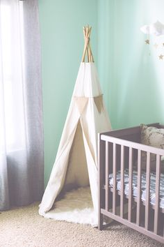 Would love to have a hangout teepee for Kaiden's room. I love the ideas in this link!
