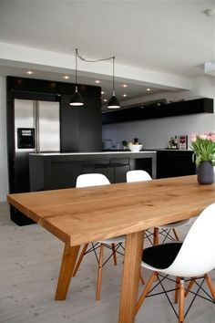 Nice table from manndesign Large Table, Kobe, Conference Room, Sweet Home, New Homes, Dining Table, Rustic, Interior, Kitchen